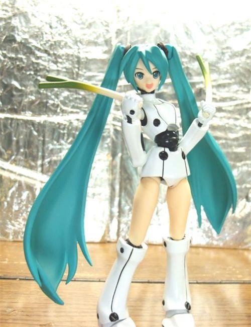 Фото аниме фигурок и статуэток персонажей