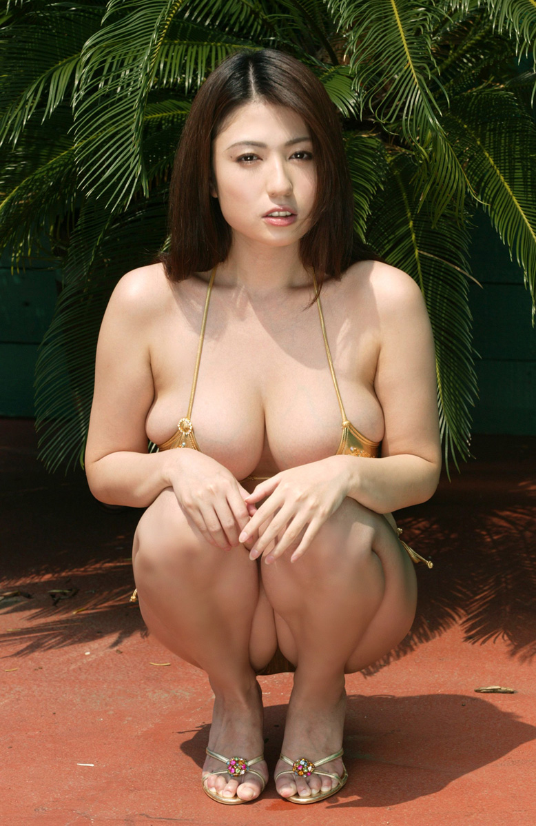 [Busty_japanese_sexy_Swimsuit_Model_Nonami_Takizawa_04.jpg]