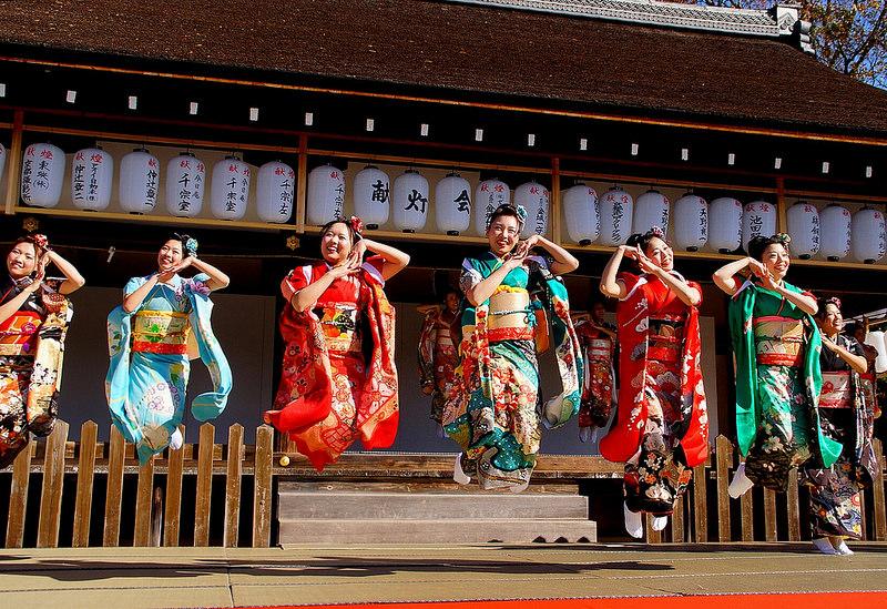 着物で集う園遊会(京小町踊り子隊)-33