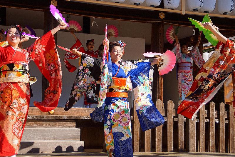 着物で集う園遊会(京小町踊り子隊)-46