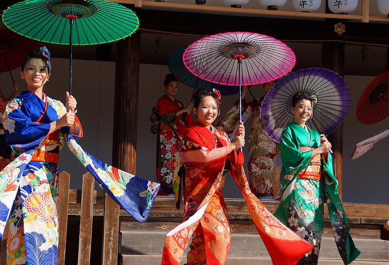 着物で集う園遊会(京小町踊り子隊)-49