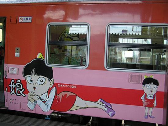 поезд с Неко-мусуме, линия Тоттори (фото: Рие Накая)