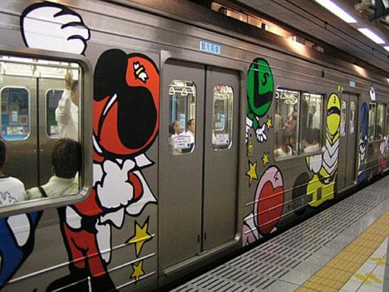 """поезд """"Himitsu Sentai Goranger"""", линия Сенсеки, префектура Мияги"""